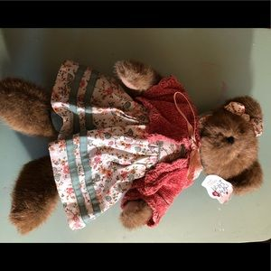 Boyd's bear girl from friends collection
